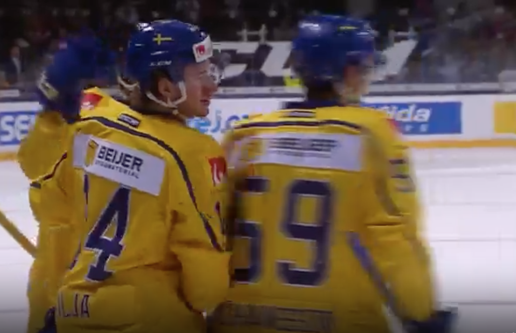 Emil Larsson Records First Point With Tre Kronor